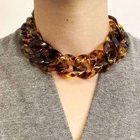 La personalità dei gioielli della collana vanta la stampa leopardo della stampa acrilica dei corti collane delle donne wleg514