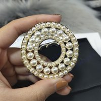 L-C06 Broches de concepteur Broches Classic Logo Bagu Bague avec perle Broche de haute qualité Broche Day Day de la mère de luxe