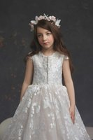 Cute Flower Girl Dresses Lace Appliques Birthday Party Wear For Wedding Sleeveless Floor Length Little Baby Pageant Gowns