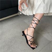 Eilyken Mode Frauen Sandalen dünne niedrige Ferse Lace Up Rom Sandale Sommer Gladiator Lässige Sandale Schmale Band Schuhe Große Größe 40sGhowiafa
