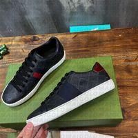 50% Off En Kaliteli Rahat Ayakkabılar Erkekler Kadınlar Lüks Sneaker İnek Deri Mektup Desen Kırmızı Alt Arı Kaplan Kırmızı Yeşil Çizgili Spor Beyaz Tasarımcı Eğitmenler Oringinal Kutusu