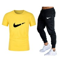 2021 럭셔리 티셔츠 2 조각 세트 Tracksuit 브랜드 인쇄 남성 반팔 + 바지 풀오버 스포츠웨어 캐주얼 스포츠 맨 옷