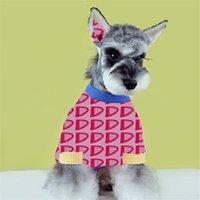 Moda Mektup Jakarlı Pet Kazak Köpek Giyim Kış Güz Sıcak Tasarımcı Bichon Mont Noel Günü Hediyesi Schnauzer Gömlek Için