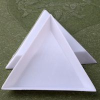 1 ADET Plastik Üçgen Yuvarlak Rhinestones Boncuk Kristal Nail Art Sıralama Tepsileri Beyaz Çiviler Accessoires Hızlı Teslimat