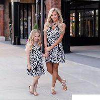 Family Matching Outfits Mother Daughter Dresses Clothing Girls Clothes Summer Short Sleeve Flower Kids Beach Dress B6281