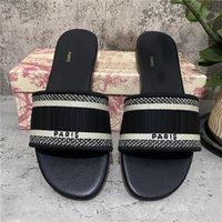 Hohe Quali-Frauen-Hausschuhe Schuhe Slide Sommer Mode breite flache Slipper Sandalen Flip Flop mit Kastengröße 36-45