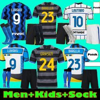 Inter milan Hommes Kit Kit Kit Barella Soccer Jersey Lukaku Vidal Lautaro Eriksen Alexis 20 21 de Vrij Chemise de football 2020 2021 Uniformes Hakimi