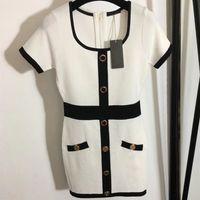2021 트리밍 된 허리 스퀘어 넥 니트 짧은 소매 흑백 여름 캐주얼 드레스 크기 S-L