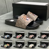 [Con scatola] 2021 Designer preferenziale Pantofoles Moda uomo Sandali donna Sandali da donna Flip flop Mocassini Black Bianco Rosso Green Slifts Scarpe taglia EUR 38-44