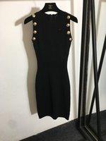 2021 الخريف أبيض / أسود أكمام الحياكة النساء اللباس مصمم أزرار معدنية bodycon فساتين إمرأة ميلان مدرج vestidos دي فيستا 80609