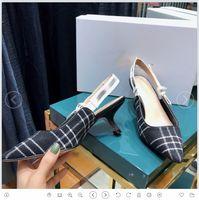 2021良い品質ファッション女性の贅沢なデザイナーの靴デザイナーサンダルレディース豪華なハイヒールのサンダルドレス靴箱サイズ35-40 -E172
