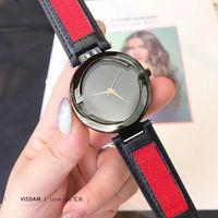 Модные марки для женщин Стиль Стиль Кожаный Ремешок Кварцевые наручные Часы G100