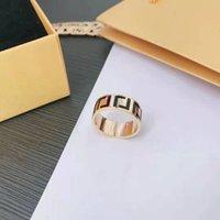 Роскошь 2021 Модный дизайнер Женщины Cross Diamonding Ring Два набора Досуг Простое изысканное изыскание Подарочная работа Хорошо