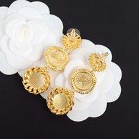 2021 Charme de style Fahsion Drop Trois Formes rondes Boucle d'oreille avec coquille blanche et design creux pour les femmes Bijoux de mariage cadeau ont une boîte de timbres PS4587