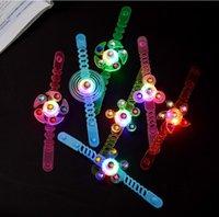 Mercado Noturno Leva Luvas Pequenos Brinquedos Creative Finger Tip Top Spinning Ring Ring Bracelet Gadgets