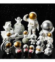 Yaratıcı Reçine Uzay Astronot Bebekler Süslemeleri Masa Yumuşak Dekorasyon Stüdyo Kitaplık Modern Ev Mobilyaları Ev Hediyeler El Sanatları Koleksiyonu