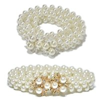 Fashes de boda para mujer Tres filas Faux Thin Pearls Cintura Sash nupcial con flores de aleación de metal Rhinestone Decoración Bukle Cintura Cadena