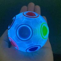 Box Packing Magic Stress Rainbow Ball Puzzle Glow In The Dark Tik Tok Toys Decompression Finger Puzzles Rotatable Rotating Fluorescent 12 Holes Stress Balls G66V4N1