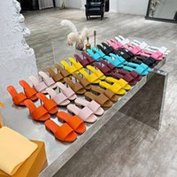 Femmes robe chaussures mode véritable cuir haute talons hauts sandales de design de luxe modèle modèle de chaussure en relief 7.5cm 9.5cm taille 35-42 avec boîte xx-0184