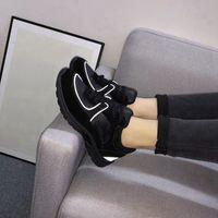 Zapatillas de deporte de moda Diseñadores Zapato de zapatos Hombres Mujeres Equipo al aire libre Clásico Black Senderismo Zapatos Casual Chaussures 9 Colores Verter Femmes Todo Color En Venta