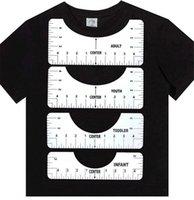 Atacado Corte Cape T-shirt Guia de régua Ferramenta de alinhamento para centrar projetos para adultos jovens criança criança infantil aperfeiçoamento