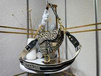 Chanel Louis Vuitton Gucci Dior Высокое Качество Hobo underarm Сумки на ремне Мода Натуральная Кожа Седло Сумка Tote Роскошный Дизайнер Среднего Луны Форма Женский