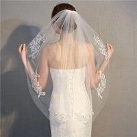 Bridal Veils White Ivory In Stock Short One Layer Fingertip Length Rhinestone Appliqued Wedding Veil WED With Comb