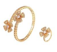 Anel de pulseira de pétala eterna da pulseira europeia e americana incrustada com zircão moderna de jóias de cobra ósso oco flor dupla ornamentos