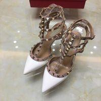 V Spike Balerin Rock Çiviler Sivri Burun Ayakkabı Toka Platformu Düğün Çiviler Yüksek Topuklu Mat Perçinler Sandalet Çivili Strappy Elbise Ayakkabı Sevgililer Topuk