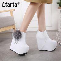 Ltarta 2020 Botas para mujer de invierno Aumentar altos 16 cm zapatos de plataforma de tacón alto Botas de tobillo Bola de piel Mujeres -555-51