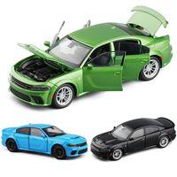 132 Liga de carro Esportes Modelo de Carro Diecast Dodge Charger Srt Hellcat Sound Light Coleção Brinquedos Para Crianças Presente de Natal