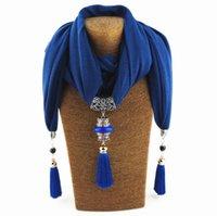 Neue Keramikperlen Pfau Anhänger Schal mit Quaste Fransen Damen Lange Schal Lätzchen Schmuck Halskette Ethnische Art Schal für Dame