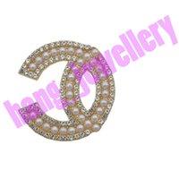 Spille perla classica Lettera Designer Spilla Donne Donne Pins argento di alta qualità Vestito giuro vestiti Pin Aperto come c