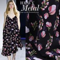 14mm digital impreso seda doble crepé tela primavera y verde pastel de flores patrón de flores natural camisa negra