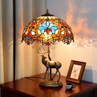 الجدول مصابيح الأوروبية الكلاسيكية الفاخرة الإبداعية الحب تيفاني ملطخة الزجاج غرفة المعيشة الطعام نوم بار الديكور الأيائل مصباح