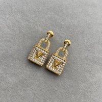 2021 New Designer Pendientes Jewlery Womens Diseñador de lujo Pendiente con caja de color oro letras Golden Party Mens D217064FF
