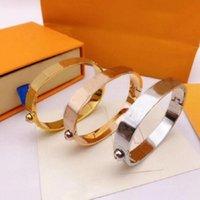 Moda carta de ouro amor anéis bague para lady bangles chaveiros chaveiro bracelete jóias três cores de qualidade superior com embalagem
