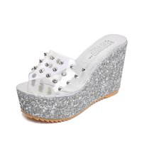 2021 Stil av vårsandaler och sommarfond Fair Maiden får kvinnlig Cool Drag Round Head Ramp för att följa fashionabla sko