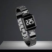Alliage d'alliage Homme de luxe élégant Digital LED Bracelet de sport Bracelet cadeau de poignet Bracelet de grade militaire Reloj Deportivo F5 Montres-bracelets