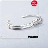 Mode européen et américain Knot Knot Lovers Bracelet Winding Steel Fil Fashion Street Raquette Simple Personnalité Twisted Corde