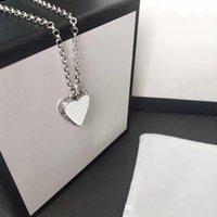 Collar colgante del corazón de la vendimia Patrón de collar plateado de alta calidad para el collar de pareja Suministro de joyería de moda