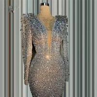 アラビア語女性のためのキラキラの銀の人魚のフォーマルイブニングドレスはセクシャルディープVネック長袖ビーズクリスタルプロムの機会ガウンヴェスドスデノヴィア