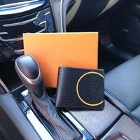 Bolsa de tarjeta de diseño negro de alta calidad Moda Moda Monedas de cuero billetes de cuero billetes cortas Mindas de la tarjeta con caja de regalo Pequeño boleto