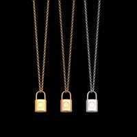 أعلى جودة الفولاذ المقاوم للصدأ قفل قلادة القلائد 3 ألوان الذهب مطلي الكلاسيكية نمط شعار المطبوعة النساء مصمم مجوهرات