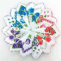 Home Têxteis Hot 100% algodão cortador senhoras artesanato vintage hanky floral lenço 30 * 30cm cor aleatória s