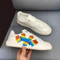 Mens out out outs stakers luxurys дизайнеры мужская обувь 3d узор красочные печатные белые теленки кожа возвышенные повязки выгравированные эскалики повседневная обувь