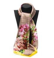 Sciarpe di Satin Square Stampato per Ladies Necherchief Donne Brand Design Muffler 90 * 90 cm Euro Elegante Moda Muff Collo Scaldario Bandeau Hijab Banda per capelli