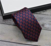 고품질 브랜드 디자이너 넥타이 포장 상자와 100 % 실크 넥타이 선물을위한 클래식 넥타이 브랜드 남성 캐주얼 좁은 타이 스