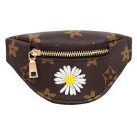 Super Mini PU Cuero Handbag Girls Kids Lujitadores Diseñadores Bolso de mano Monedero Monedero Daisy Bordado Pulsera Bolsa de muñeca Tiktok Key Pack Fiesta Regalos G50IDH4