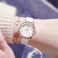 Armbanduhren Kleiner frischer Design Mode Frauen Uhren Rose Gold Luxus Quarzuhr Uhr Damen Schneideoberfläche Leder Frau Uhr